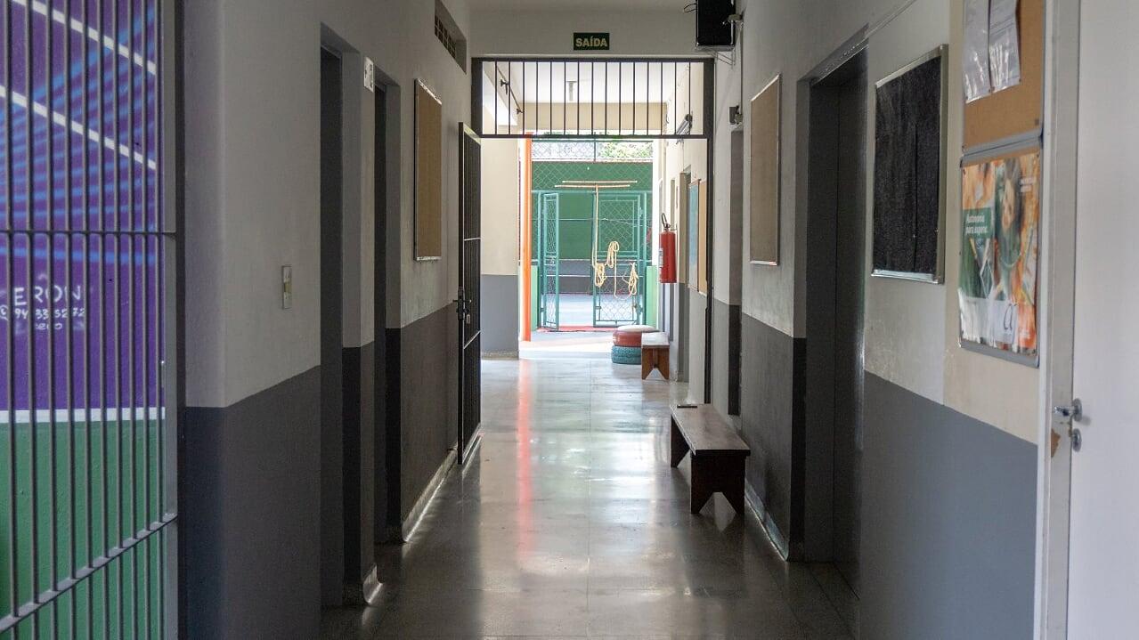 11 corredor acesso quadra e patio 5