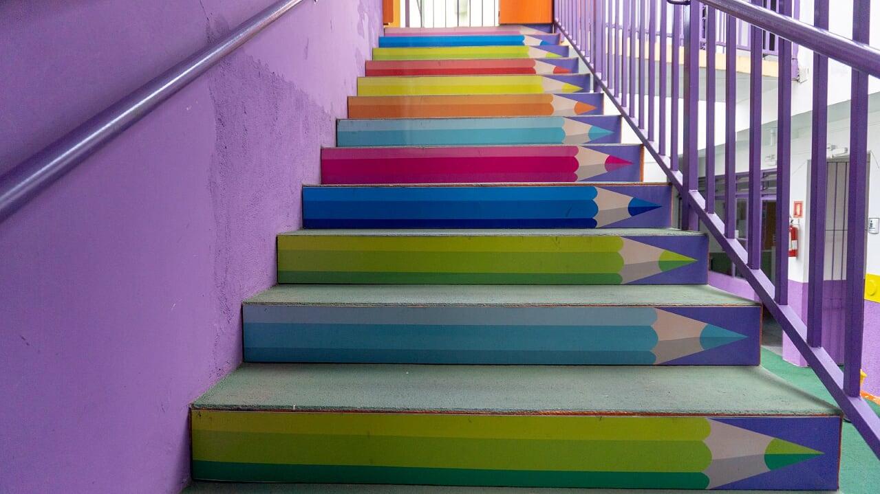 7 escada acesso playgroud