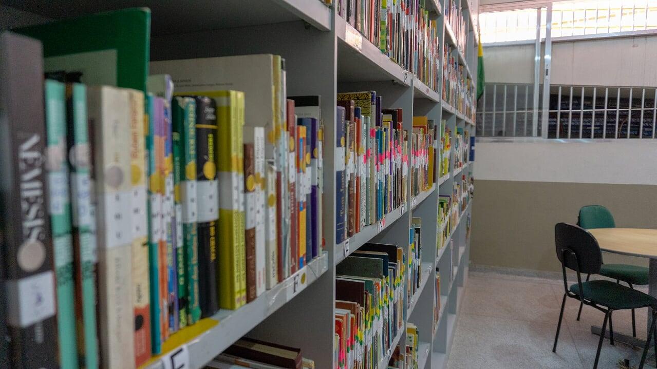 8 biblioteca 6