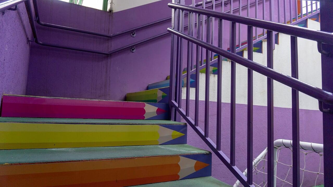 8 escada acesso brinquedoteca
